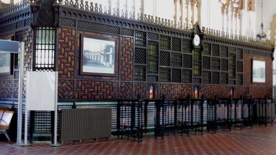 Estación del Ferrocarril: Inside