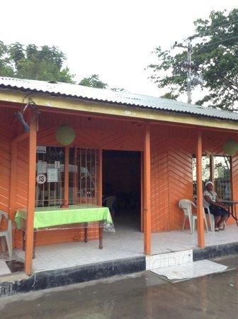 Anny's juici 'n' spicy jerk & restaurant
