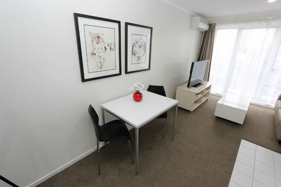 Waldorf Bankside Serviced Apartments: Dining of Superior Apartment