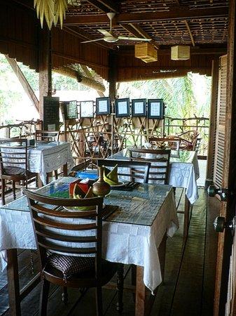 Le Bout du Monde - Khmer Lodge: Restaurant