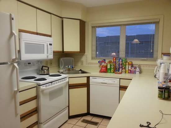Ocean High Condominium Association: Kitchen