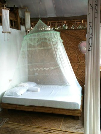 Spider House Resort: my lovely bed for three nights