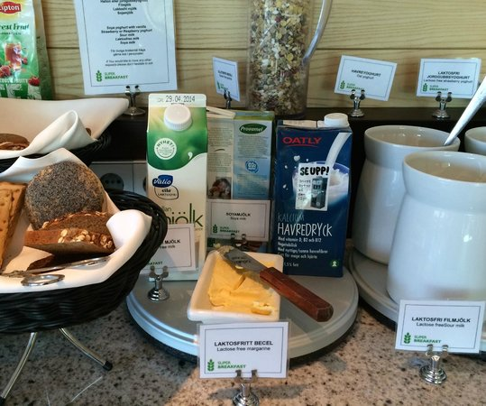 Radisson Blu Waterfront Hotel: Gluten free and lactose free counter
