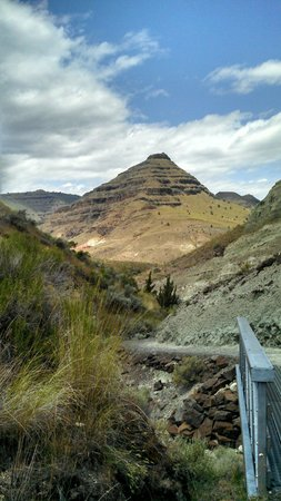 John Day Fossil Beds National Monument: Such a gorgeous place.