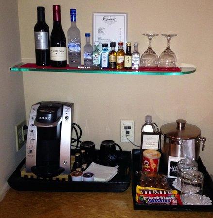 Hotel Metro : Mini bar. More in the fridge too.
