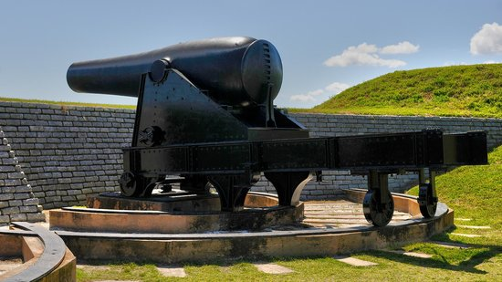Fort Sumter National Monument: 50,000 pound Rodman Gun at Fort Moultrie