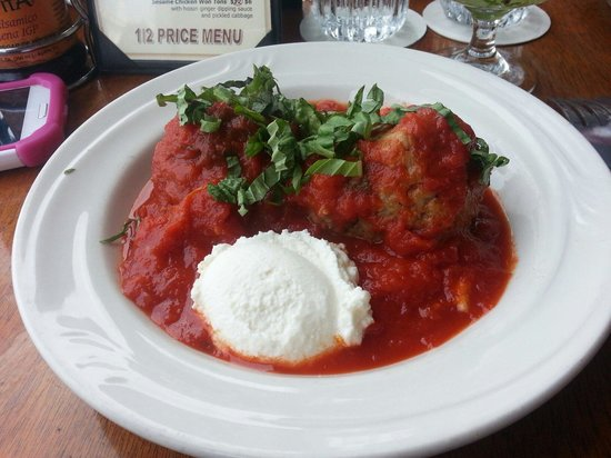 Caffe Luna Rosa: Two meatballs with homemade ricotta