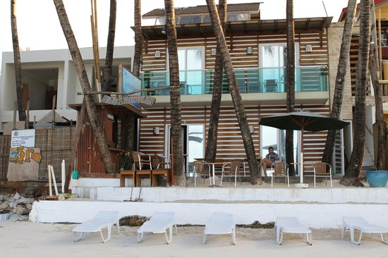 Bluelilly Hotel: hotel front