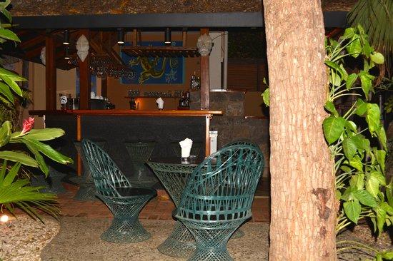 Villa del Sueño: The bar and garden sitting