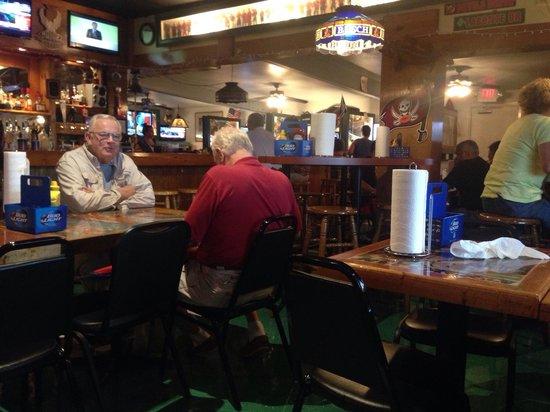 Beanie's Bar & Sports Grill : Sports bar