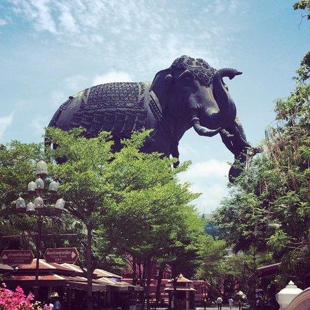Erawan Museum: The 3 headed elephant exterior