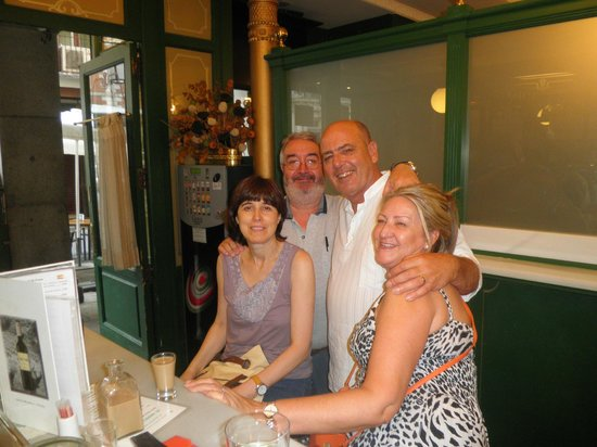 Hotel Plaza Mayor: More friendly locals at the Restorante Plaza Mayor