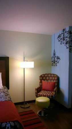 The Maxwell Hotel - A Staypineapple Hotel : Corner of the room