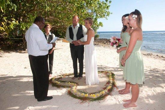 Erakor Island Resort & Spa : Our remote beach wedding! Perfect!
