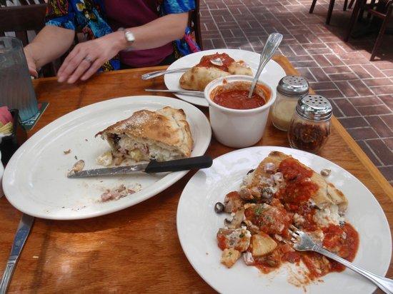 New York Pasta Garden: Cheeeeeze calzone, with Ham, Olives, Mushroom & Pineapple.  Jealous, I know!