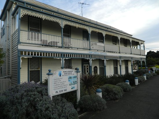 Point Lonsdale Guesthouse Hotel: Baronial period splendour