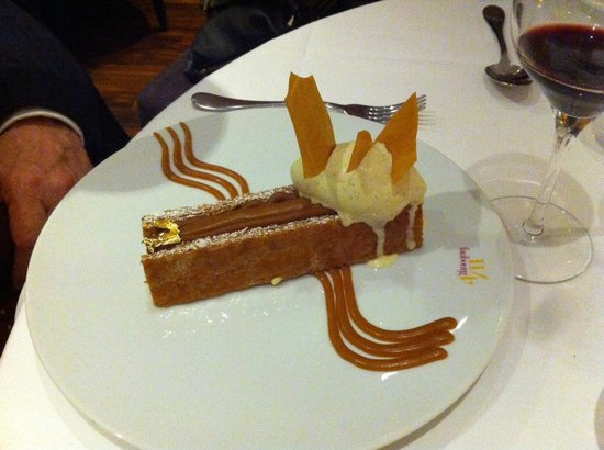 Le 114 Faubourg : Vanilla and caramel mille feuille