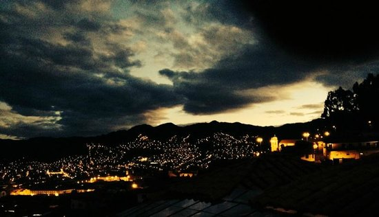 Casa de Campo Hotel: veiw of cusco at night
