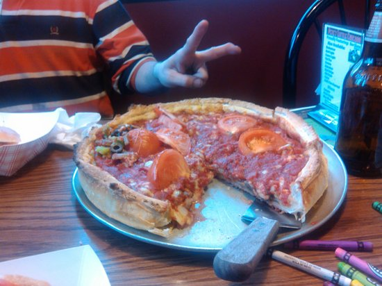 Pete's Little Chicago: OMG... best deep dish in Sheboygan Wi. not only that has the next best thing to thr authentic Ch
