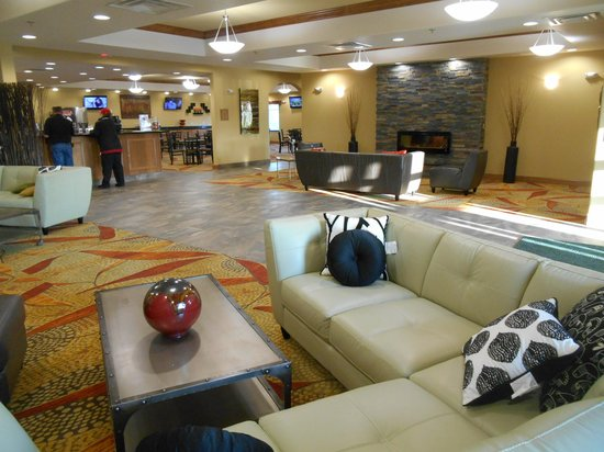 Expressway Suites of Grand Forks : Hotel Lobby