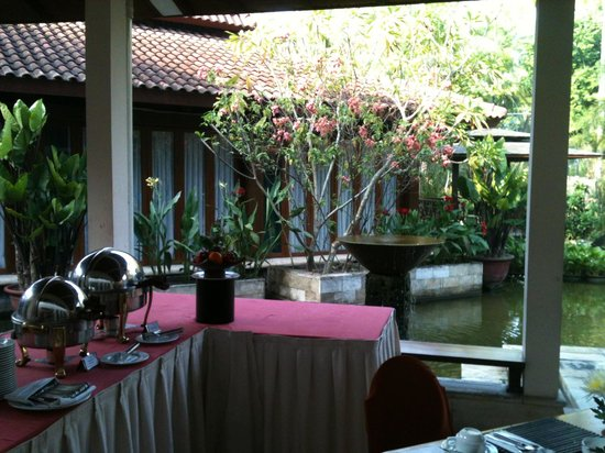 Lorin Solo Hotel: View at breakfast