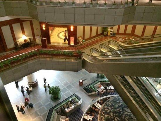 Best Western Shenzhen Felicity Hotel: Hotel Lobby from Glass Elvator
