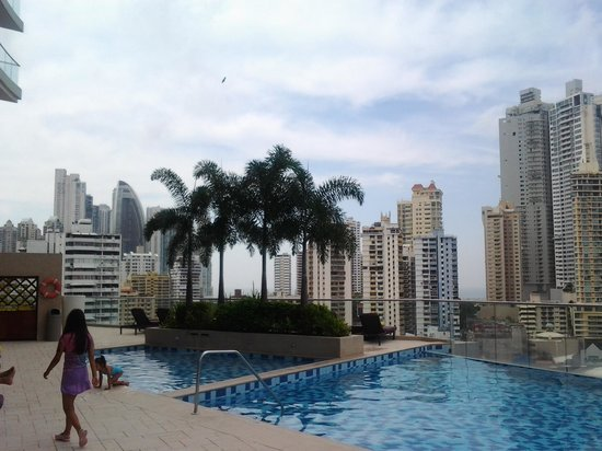 Hard Rock Hotel Panama Megapolis: vista da varanda do hotel. predios lindos, modernos.