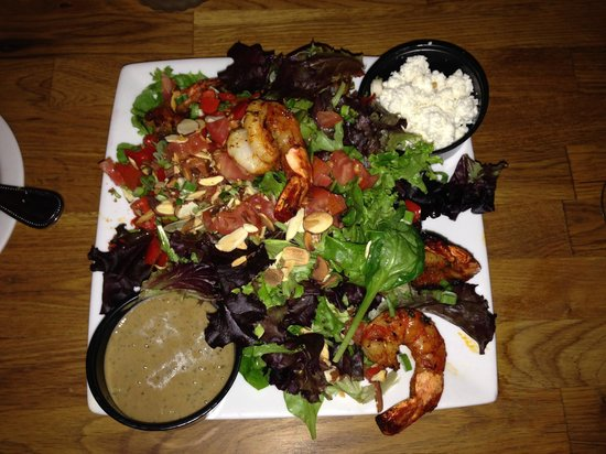 Bernini's Bistro: Delicious Grilled Shrimp Salad