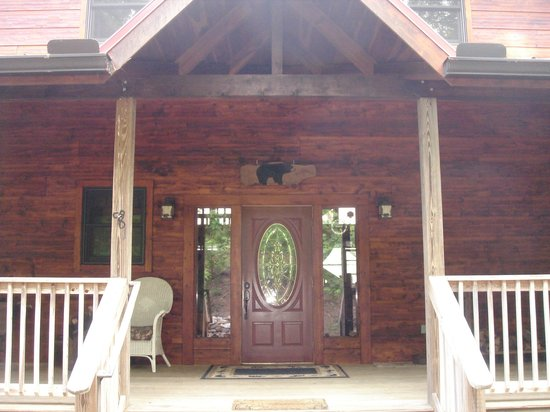 Bear Rock Ridge Bed & Breakfast: Front of house