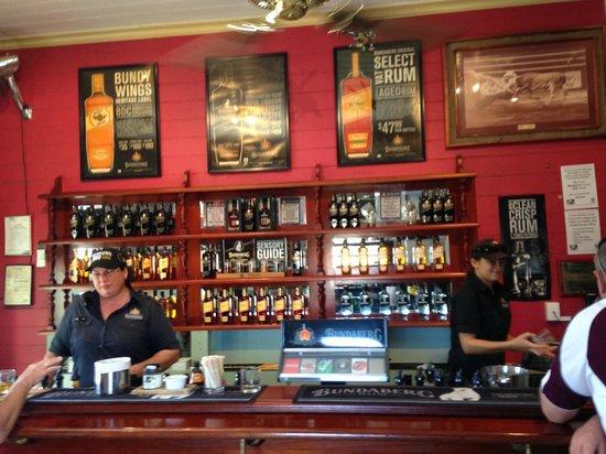 Bundaberg Rum Distillery: Tasting bar at end of the tour.