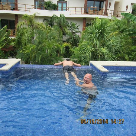 Porto Playa Condo Hotel & Beachclub: Swimming pool