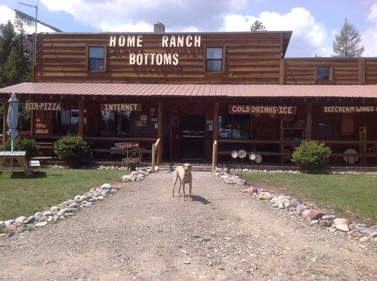 Polebridge Home Ranch Bottoms: Come visit us and have cold beer and BBQ !
