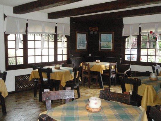 Hosteria La Posta del Cazador: Salão de café da manhã