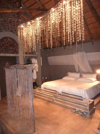 N/a'an ku se Lodge and Wildlife Sanctuary: Lodge room