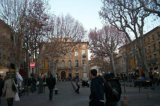 maravilhosa vista da Cours Mirabeau