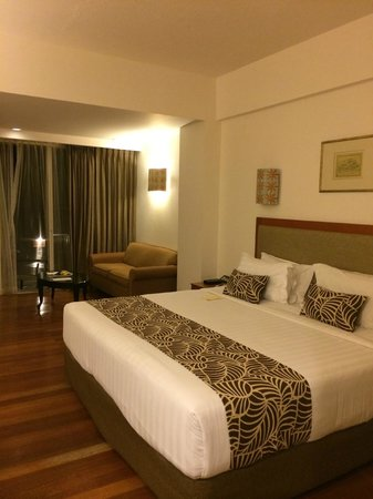 Kuta Paradiso Hotel: spacious room pool facing