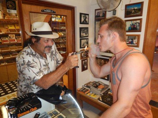 Havana Bob's Cuban Cigars: lending a helping hand