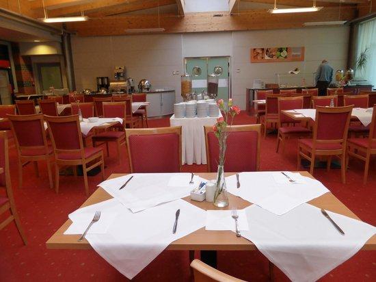 Best Western Efekt Express Krakow Hotel: Breakfast Room