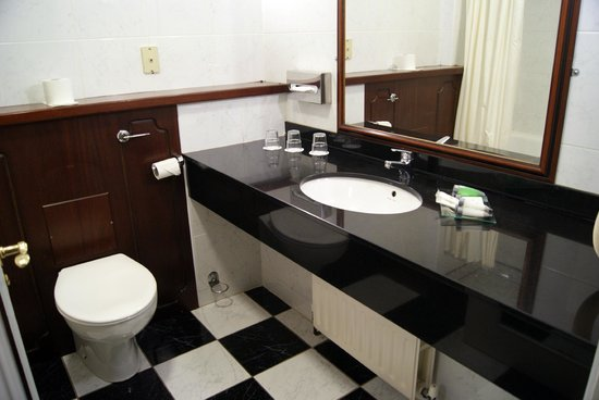 Forster Court Hotel - TEMPORARILY CLOSED: Bagno scacchiera