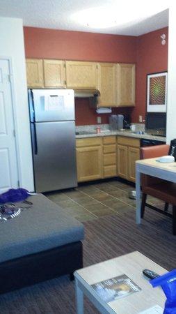 Residence Inn Salt Lake City Airport : Kitchen