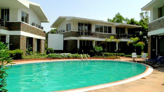 Wonderland Resort: Pool side suites