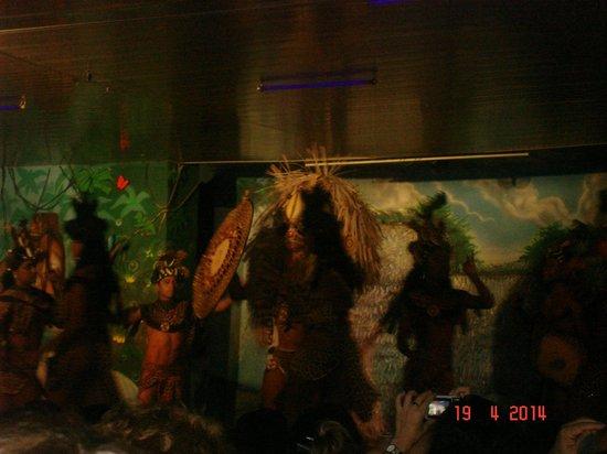 Oba Oba Show Brasil Samba Show: Bailarines