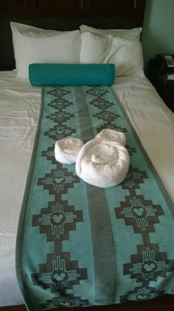 Disney's Coronado Springs Resort: bedding