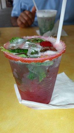Punto de Vista Restaurant & Bar: Strawberry mojito