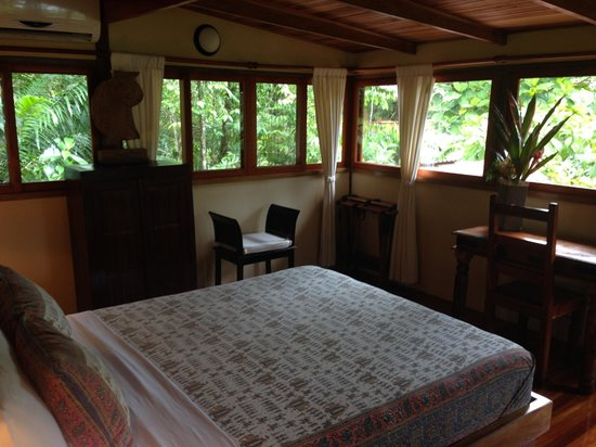 Copa de Arbol Beach and Rainforest Resort : upstairs bed room of Palm cabin