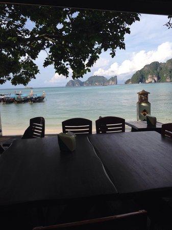 Andaman Beach Resort: Vu de la salle repas