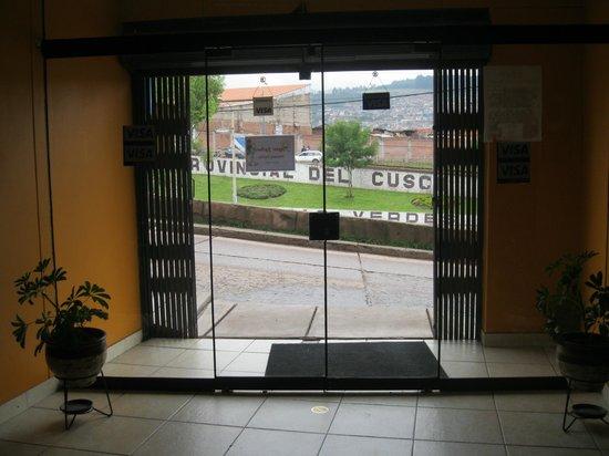 Tayta Wasi Hostel: Reception