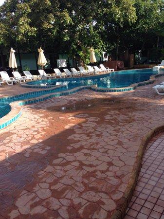 Andaman Beach Resort: Piscine