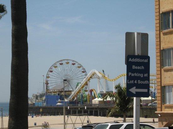 Quality Tours of Las Vegas : At Santa Monica Pier