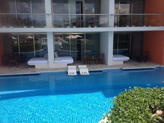 Secrets Aura Cozumel: our swim up room